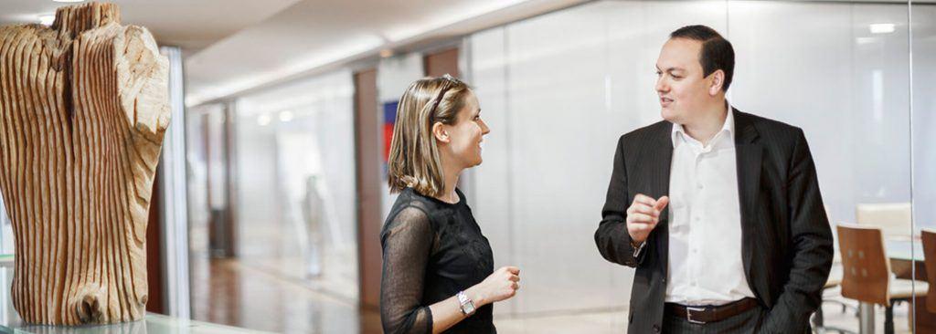 Kollegen im Gespräch